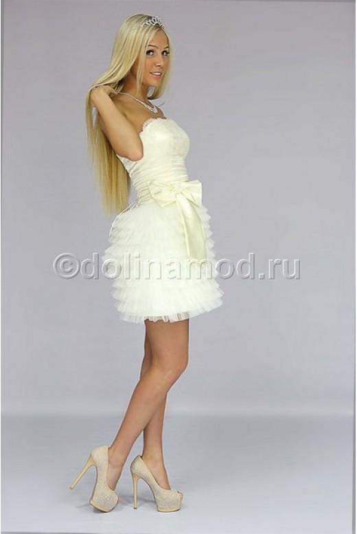 Короткое платье с многоярусной юбкой из фатина