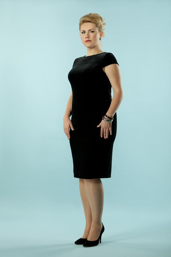 Маленькое черное платье для торжественных случаев для полных