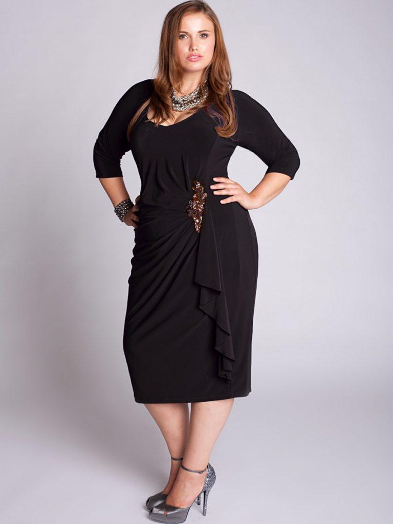 Платья с рукавами для полных женщин