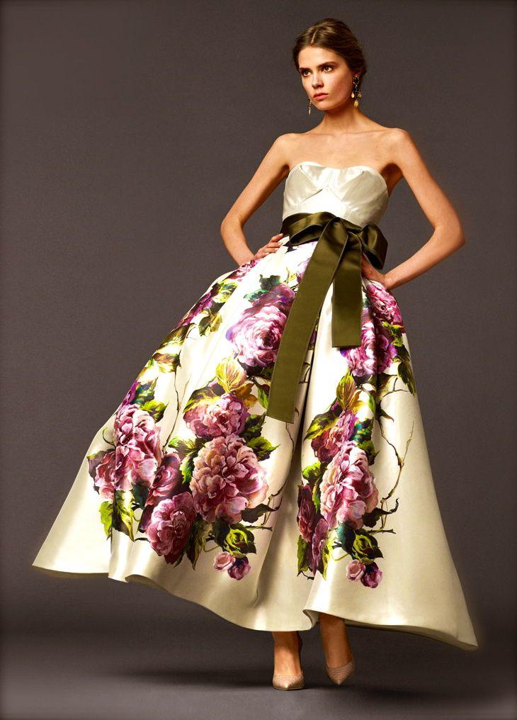 Тренд сезона большие цветы от Dolce & Gabbana
