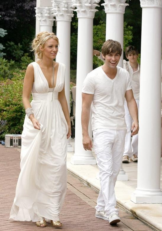 Блейк Лайвли на съемках Сплетницы неоднократно появлялась в таких платьях