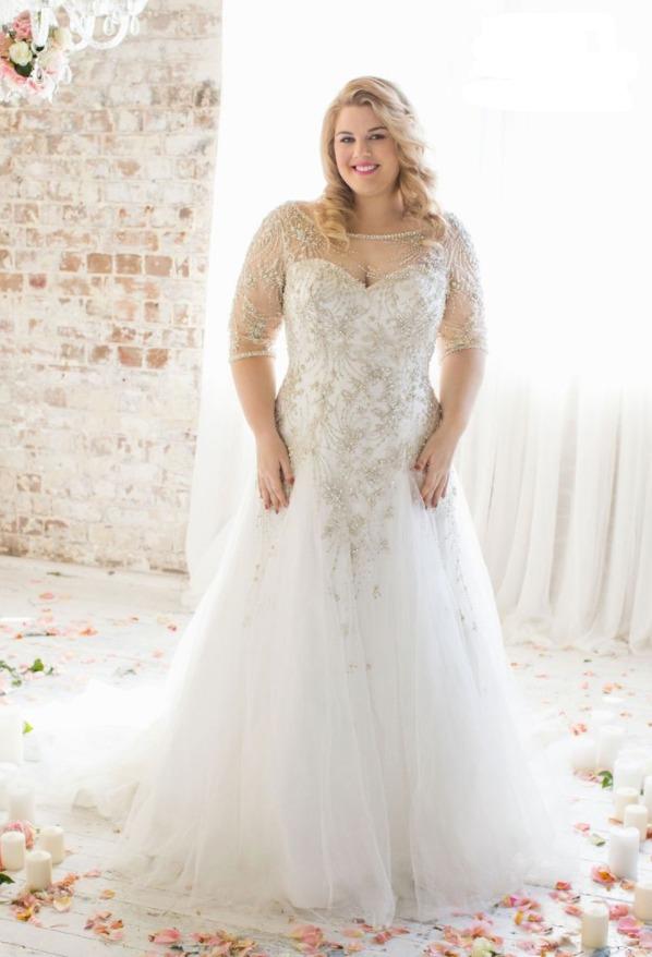 Бытует мнение, что выбрать легко и просто свадебное платье, может только худенькая и стройная девушка