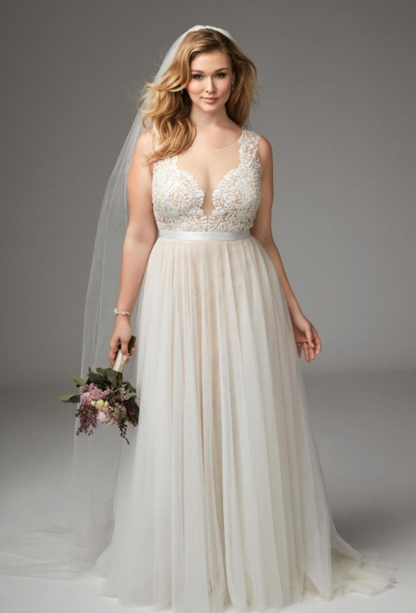 Даже девушки с далеко не совершенной фигурой могут найти идеальное платье
