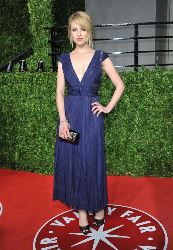 Диана Агрон также остановила свой выбор на греческих платьях