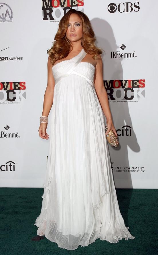 Дженнифер Лопез и ее белые платья