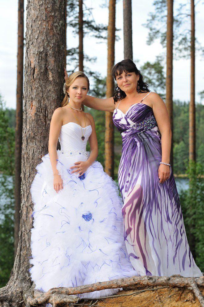 Платье А-силуэта одно из самых популярных для мамы невесты