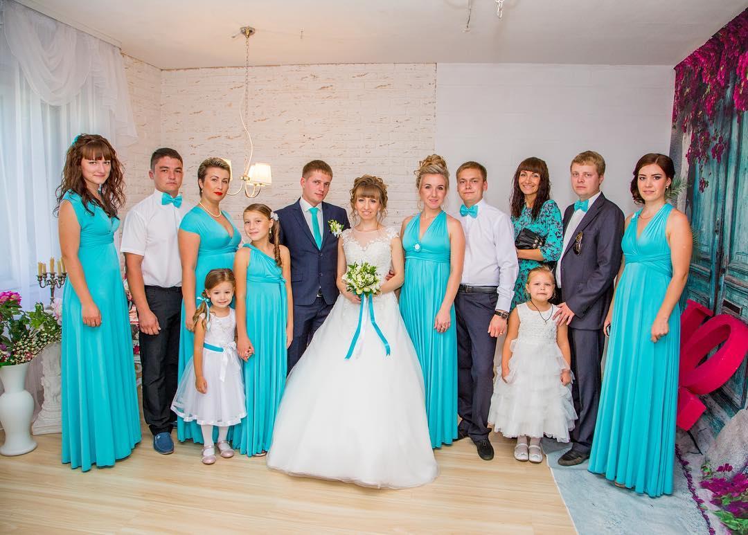 Платья для подружек невесты 2017 года, обзор популярных моделей с фото