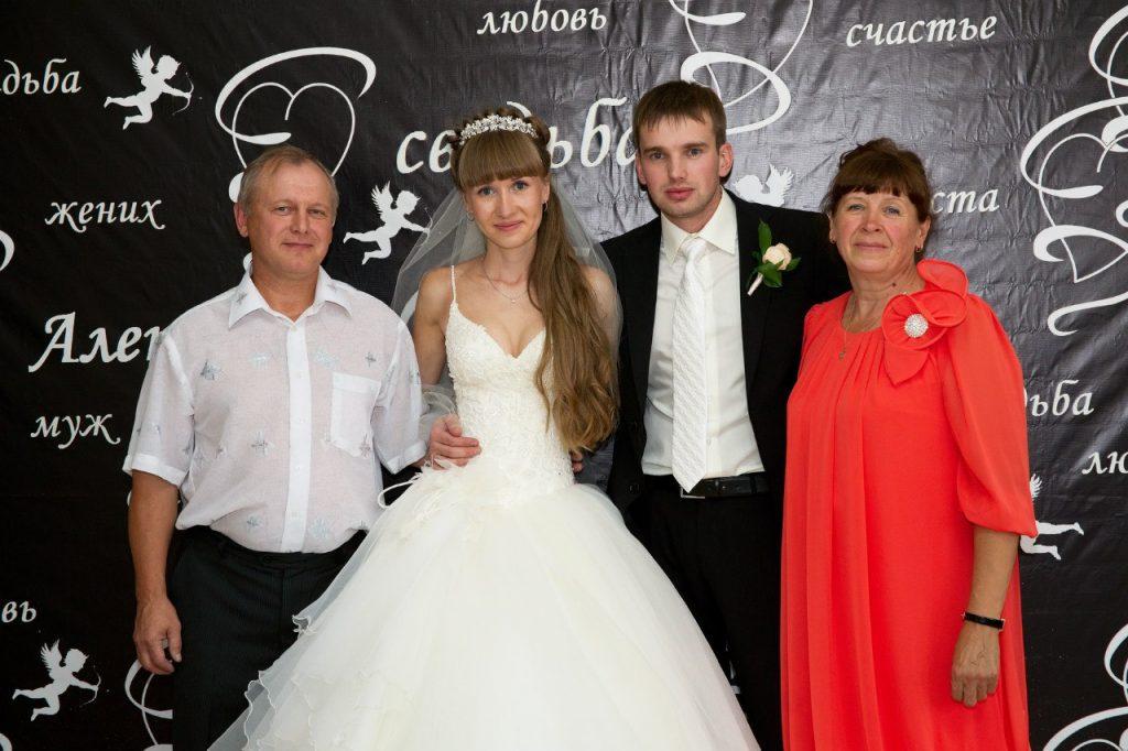 Платье из шифона для мамы невесты