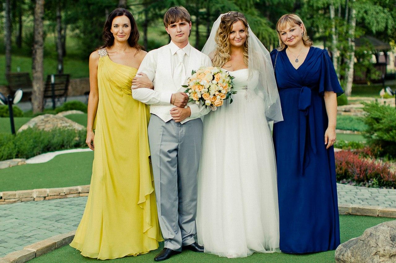 Что одеть маме жениха на свадьбу - нарядное платье или костюм 18