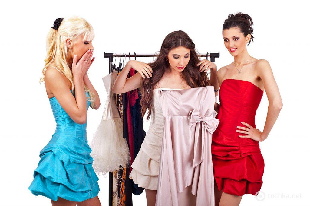 Купить платья на 8 Марта