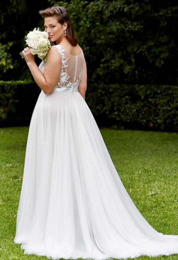 Свадебные платья для полных со шлейфом